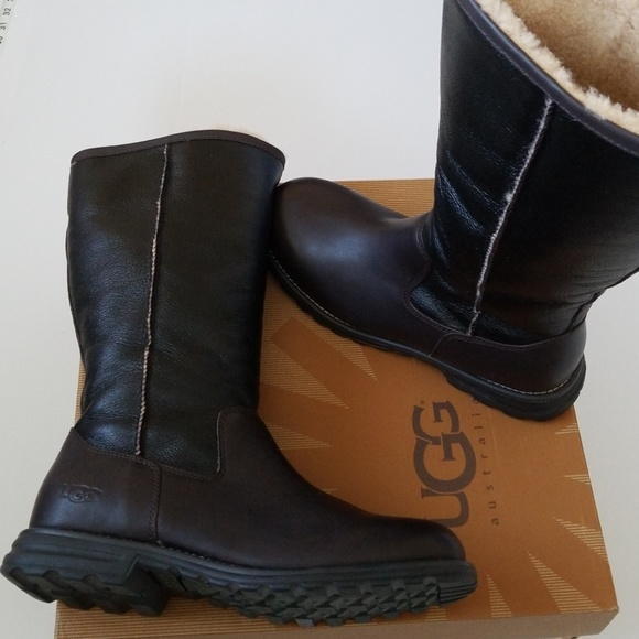 0525268a801 NWT UGG Leather Real Fur 100% Authentic Tall Boots NWT